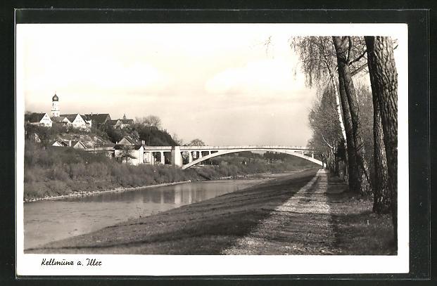 AK Kellmünz a. Iller, Blick über die Iller zum Ort mit Brücke