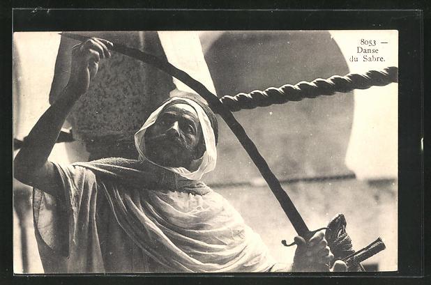 AK Arabischer Mann betrachtet sein Schwert, Danse du Sabre