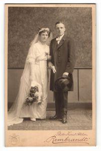 Fotografie Atelier Rembrandt, Wiesbaden, Portrait Braut und Bräutigam, Hochzeit