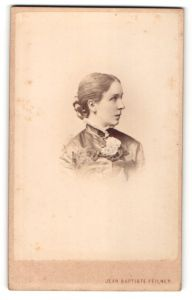 Fotografie Jean Baptiste Feilner, Bremen & Oldenburg, Portrait junge Dame mit zusammengebundenem Haar