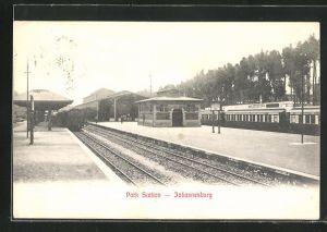 AK Johannesburg, Park Station, Eisenbahn am Bahnhof