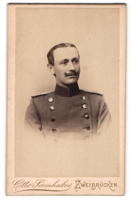 Fotografie Otto Samhaber, Zweibrücken, Portrait Leutnant in Uniform