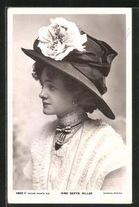 AK Schauspielerin Gertie Millar mit grossem Hut und Spitzenkleid
