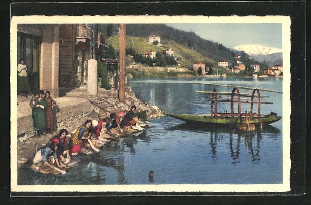 AK Waschfrauen beim Kleiderwaschen am See