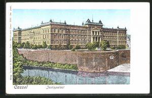 Goldfenster-AK Kassel, Justizpalast mit leuchtenden Fenstern