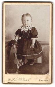 Fotografie Fr. Xav. Schröck, Laufen, Portrait Kleinkind in Kleid