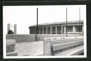AK Berlin, Reichssportfeld, Blick vom Schwimmstadion auf das Osttor