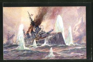 Künstler-AK Willy Stoewer: Seegefecht Nordsee 1915, Englischer Kreuzer im Salvenfeuer dt. Kreuzer