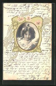 Foto-Collage-AK Portrait einer verführerischen jungen Dame im Jugendstil-Rahmen