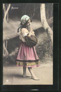 Foto-AK RPH Nr. S-942 /3: Mignon, Kleines Mädchen mit Kopftuch und Bündel faltet die Hände