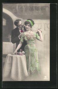 Foto-AK RPH Nr. 2894 /: Junge Dame mit Haarband im bunten Kleid an Tisch gelehnt und einem Herrn
