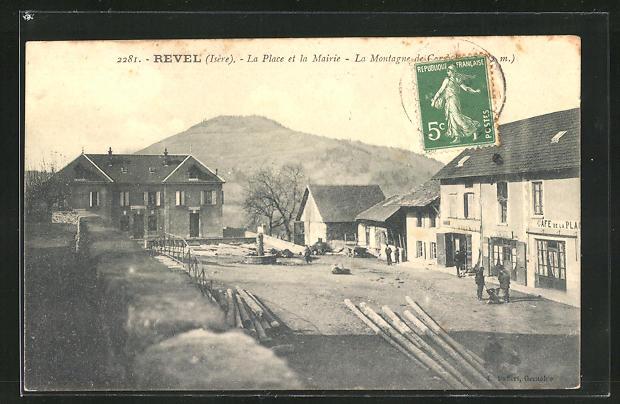 AK Revel, La Place et la Mairie, Cafe de la Place