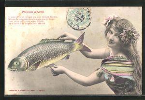 AK Mädchen hält einen Fisch in den Händen, Gruss zum 1. April
