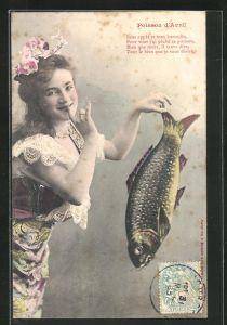 AK Mädchen hält einen Fisch mit spitzen Fingern, Gruss zum 1. April