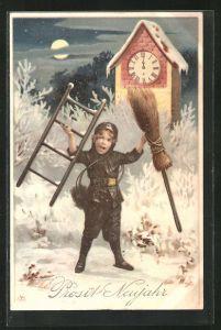 AK Junger Schornsteinfeger mit Besen und Leiter steht um Mitternacht vor der Uhr, Prosit Neujahr