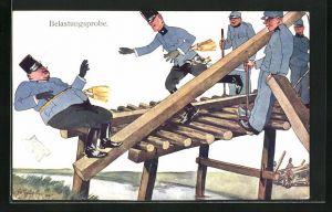 Künstler-AK Fritz Schönpflug: Belastungsprobe, korpulenter Soldat verliert auf einem Holzbalken das Gleichgewicht