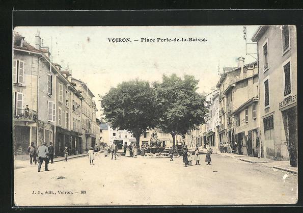 AK Voiron, Place Porte-de-la-Buisse