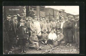 AK Prisonniers Allemands vor Zügen