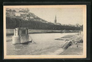 AK Lyon, Les Ponts Meurtris, Pont d`Ainay