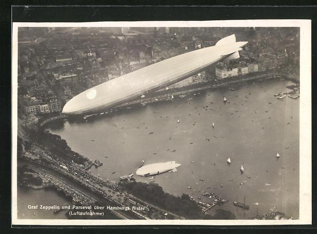 AK Hamburg, Graf Zeppelin und Parseval über der Alster, Fliegeraufnahme