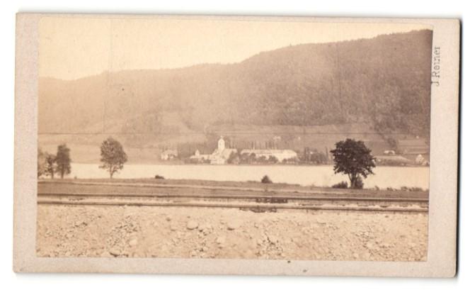 Fotografie J. Reiner, Klagenfurt, Ansicht Ossiach, Gesamtansicht der Ortschaft