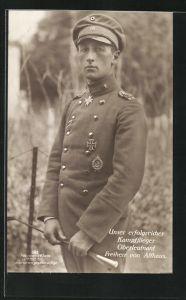 Foto-AK Sanke Nr. 383: Oberleutnant Freiherr von Alzhaus, Kampfflieger mit Pour le Mérite