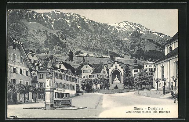 AK Stans, Dorfplatz, Winkelrieddenkmal und Brunnen mit Restaurant Bürgi