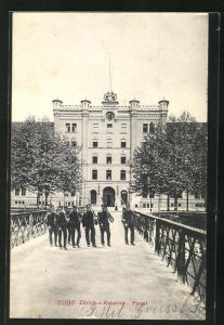 AK Zürich, Kaserne, Portal, Montage mit Soldaten