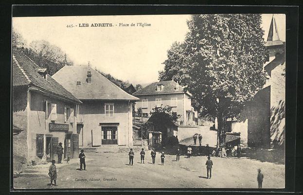 AK Les Adrets, Place de l'Eglise 0