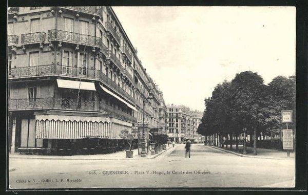 AK Grenoble, Place Victor-Hugo, le Cercle des Officiers 0