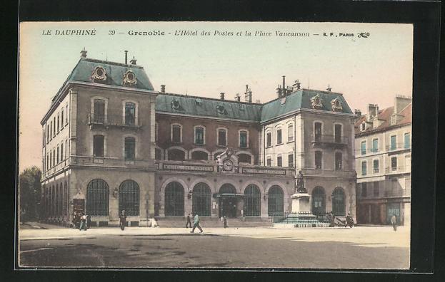 AK Grenoble, L'Hotel des Postes et la Place Vaucanson 0