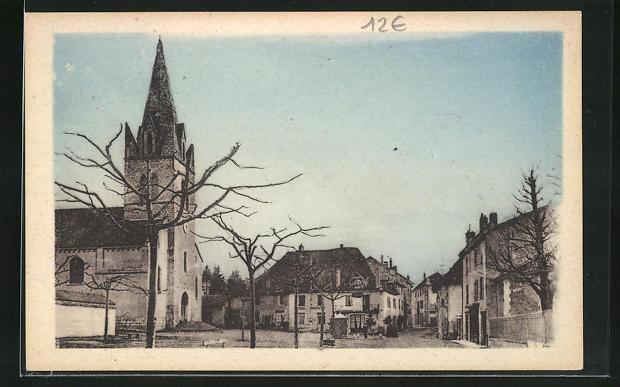 AK Virieu-sur-Bourbre, La Place et l`Eglise 0