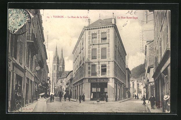 AK Voiron, La Rue de la Gare et la Rue Rose-Sage