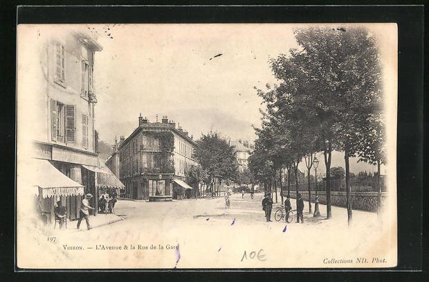 AK Voiron, L`Avenue & la Rue de la Gare