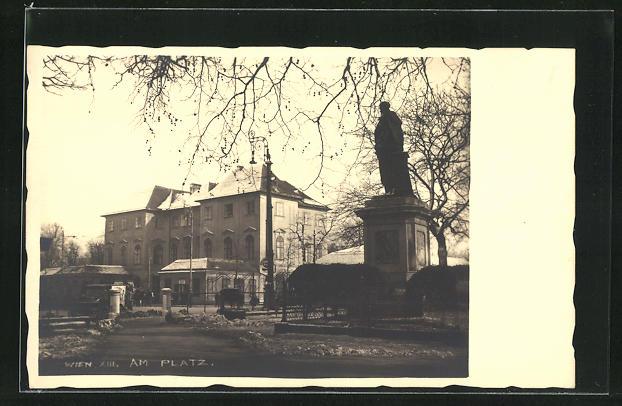 AK Wien, Haus und Denkmal am Platz