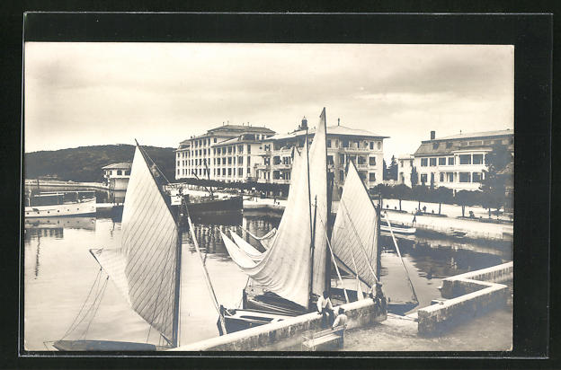 AK Brioni i. d. Adria, Hafenpartie mit Booten
