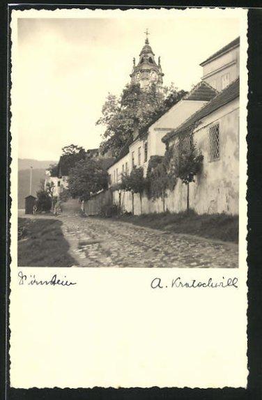 Foto-AK Dürnstein, Ortspartie mit Blick zum Kirchturm
