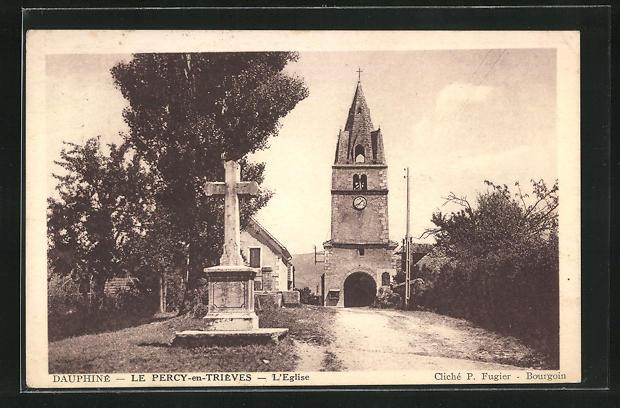 AK Le Percy-en-Trieves, L`Eglise, Blick zur Kirche