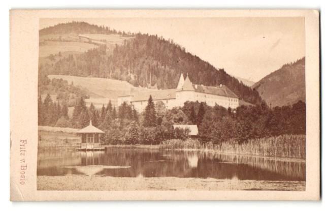 Fotografie Fritz von Bosio, Judenburg, Ansicht Seckau, Seeblick mit Kloster