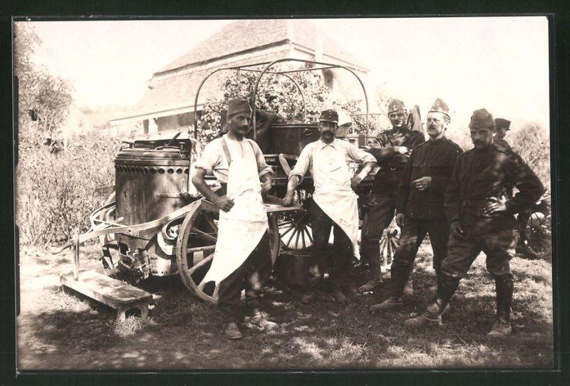 Fotografie 1.WK, französische Soldaten nebst Feldküche - Gulaschkanone
