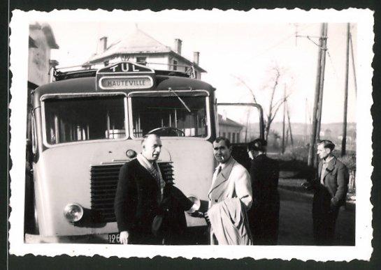 Fotografie Bus Renault, Omnibus nach Hauteville