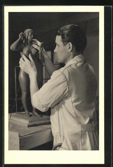 AK Arthur Schneider, kriegsblinder Bildhauer, weiblicher Akt