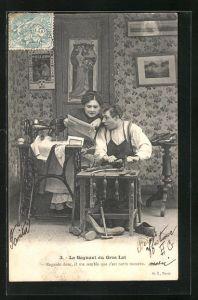 AK Schuhmacher und seine Frau an der Nähmaschine mit Zeitung
