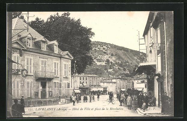 AK Lavelanet, Hotel de Ville et place de la Revolution