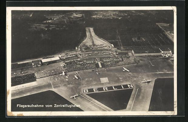 AK Berlin, Blick auf den Zentralflughafen, Fliegeraufnahme