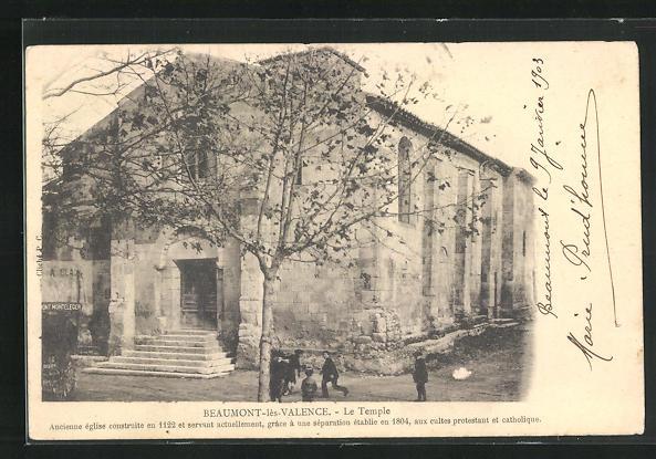 AK Beaumont-les-Valence, Enfants devant le Temple