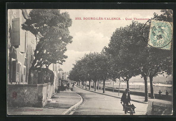 AK Bourg-les-Valence, Quai Thannaron