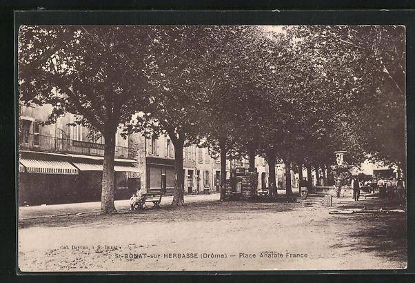 AK St-Donat-sur-Herbasse, Place Anatole France