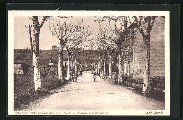 AK Chateauneuf-de-Galaure, Avenue Jospeh-Chorier