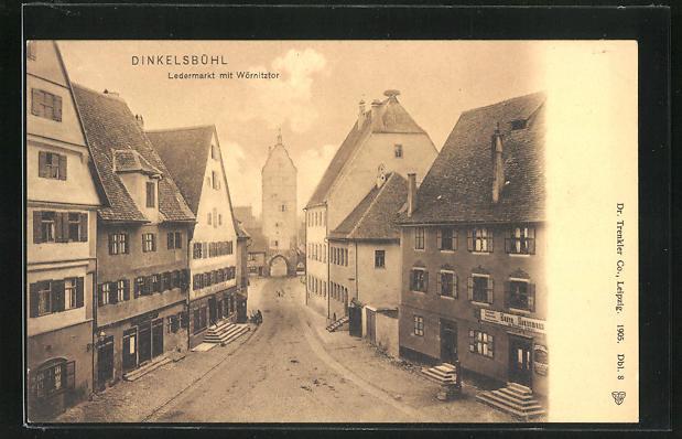 AK Dinkelsbühl, Strasse am Ledermarkt mit Blick auf das Wörnitztor